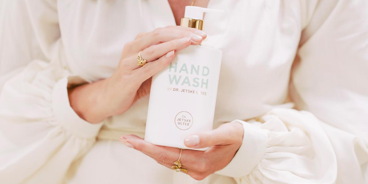 Hand Wash Dr. Jetske Ultee. Parfumvrije, verzorgende handzeep die de handen niet uitdroogt.